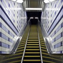 Jakcson Blue Line El Platform and Mezzanine.